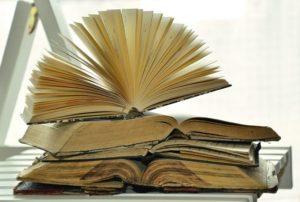 books-1215672_1920_opt